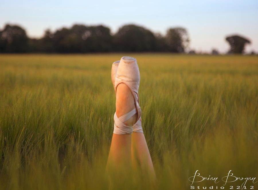 En Pointe? / Photography by Brian Brogan, Model AidenVR / Uploaded 3rd July 2018 @ 10:55 PM
