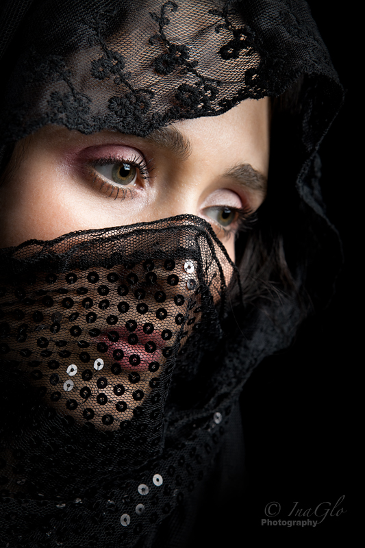 Beauty behind the veil / Photography by Brian W, Model Leah_Axl / Uploaded 3rd July 2012 @ 12:29 AM