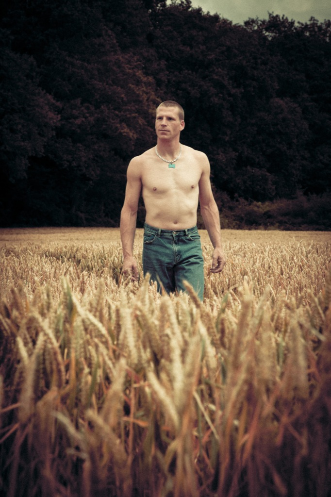 Strolling in the fields / Model Thomas Peters / Uploaded 5th September 2012 @ 02:12 PM