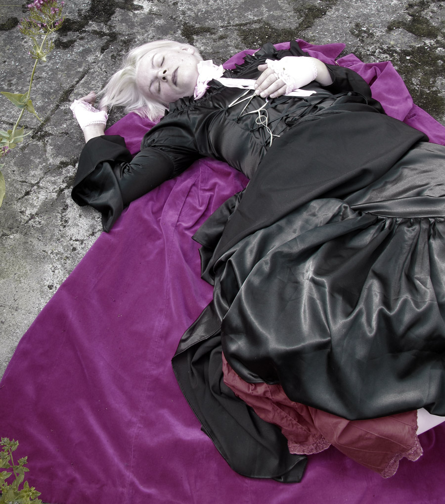 Sleep Black Princess / Photography by sitron / Uploaded 11th July 2012 @ 08:55 AM