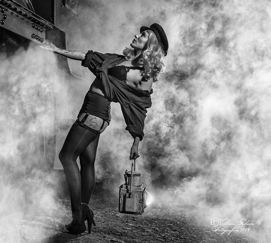 Lady & Lamp / Photography by Dave Gibson / Uploaded 4th November 2019 @ 12:44 AM