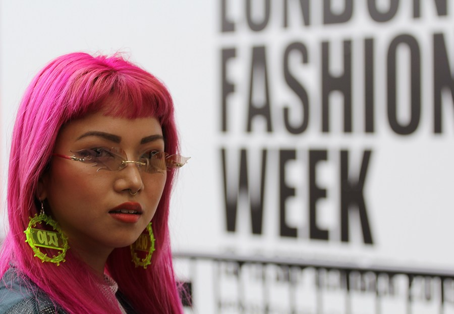 London Fashion Week (Sep) 2019 / Photography by DaveinSurrey / Uploaded 21st September 2019 @ 04:05 PM