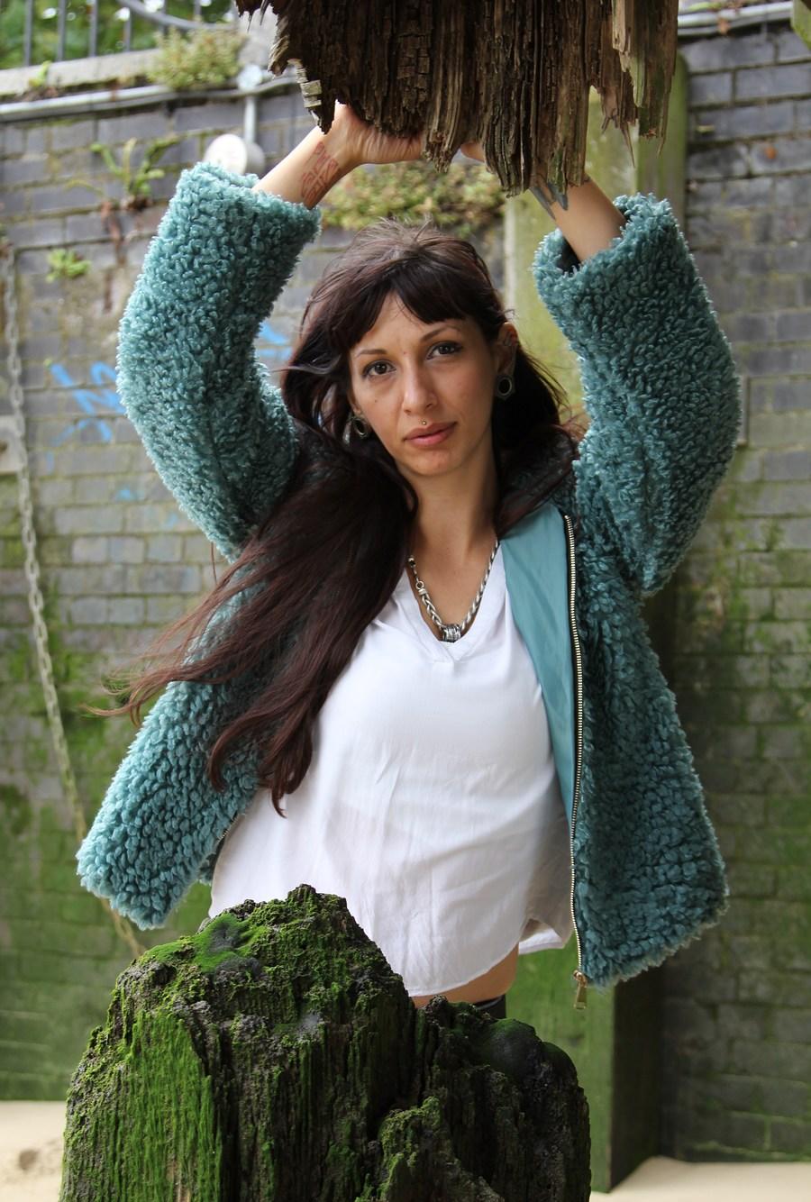 Alice / Photography by DaveinSurrey, Model Alice2188 / Uploaded 2nd September 2020 @ 04:16 PM