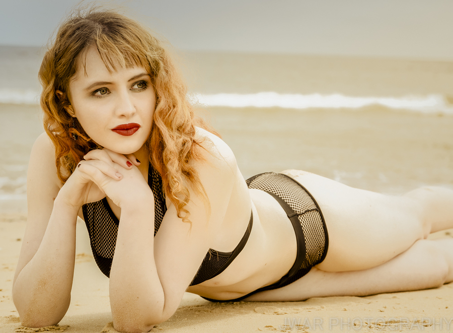 Chilling on the beach / Photography by JWAR, Model Maretta Vergette / Uploaded 12th June 2018 @ 12:38 PM