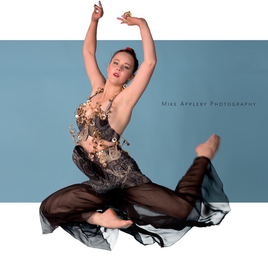 Dance / Photography by Mike Appleby, Model Velvet Fox / Uploaded 25th July 2017 @ 08:09 AM