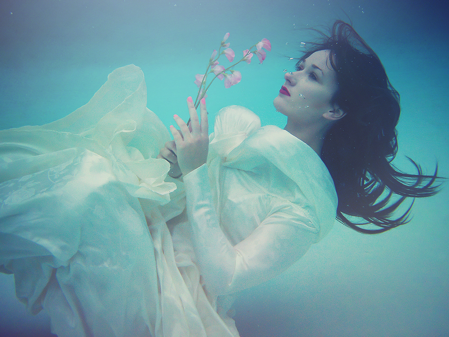 Drowning in sweet sorrow / Photography by Anjelica Hyde, Model Emmarald / Uploaded 22nd September 2015 @ 06:11 PM