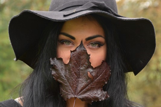Autumn Eyes of Mote Park / Photography by AW DSLR, Model NJr / Uploaded 9th October 2017 @ 04:42 PM