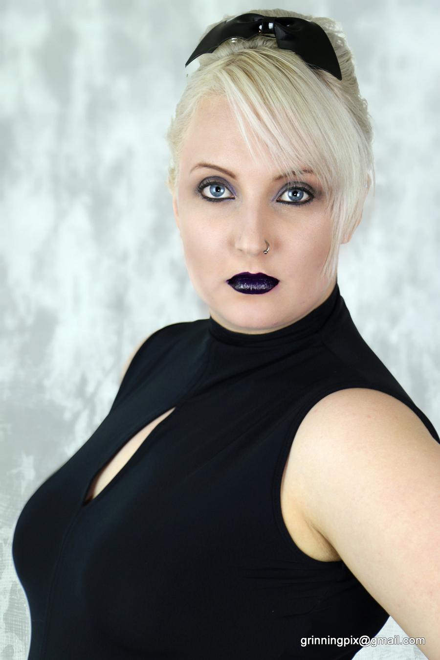 Millennial Space Queen / Model Kasumi Hex / Uploaded 1st November 2015 @ 09:19 PM