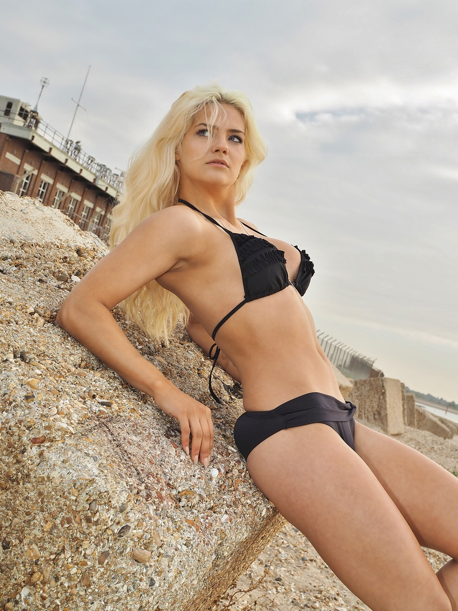 Storms coming ! / Model Aly Sky / Uploaded 28th October 2015 @ 02:30 PM