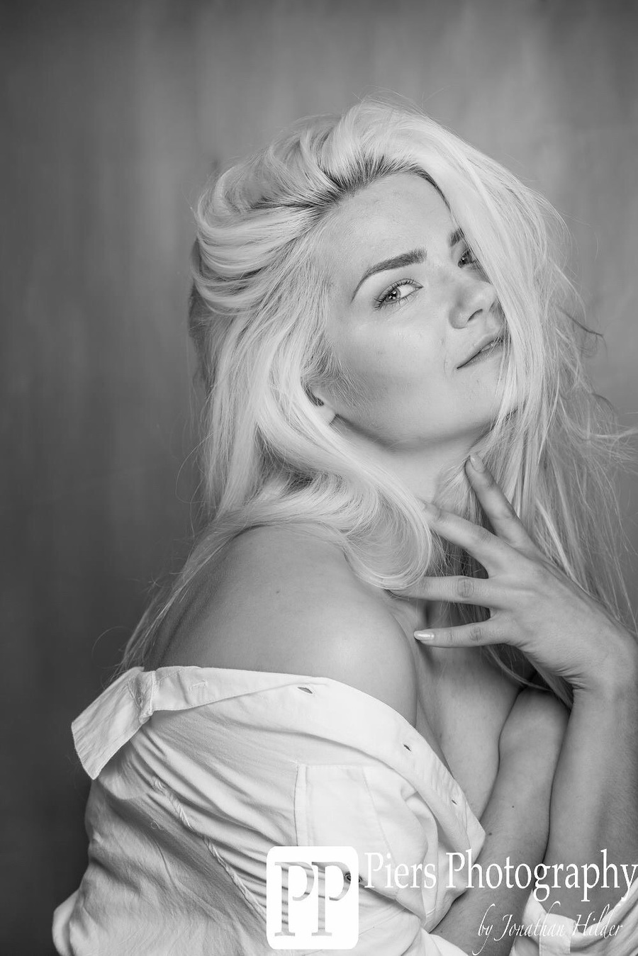 Photography by JonathanH, Model Aly Sky / Uploaded 28th March 2016 @ 03:36 PM