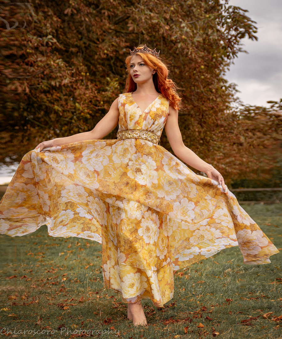 Autumn Queen / Photography by Chiaroscoro Photography, Model Scarlett Fox, Stylist Chiaroscoro Photography / Uploaded 8th October 2018 @ 05:31 PM