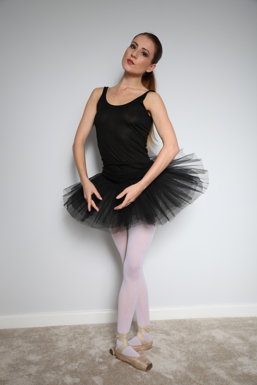 Ballet pose from Scarlot / Photography by ROGER PHOTOGRAPHY, Model Scarlot Rose, Taken at ROGER PHOTOGRAPHY / Uploaded 24th November 2016 @ 06:20 PM