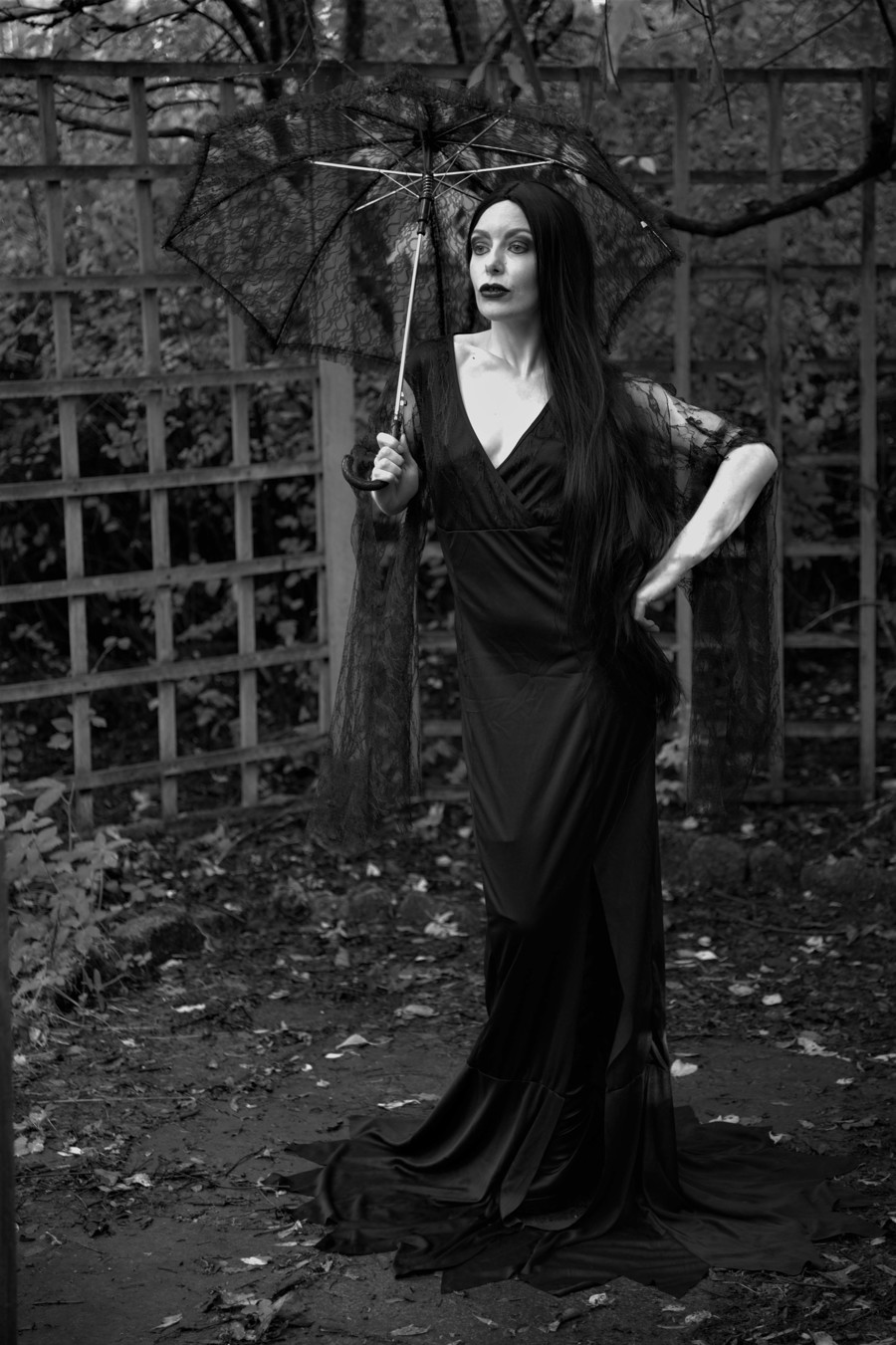 Morticia Addams / Photography by Alan9, Model Aurora Violet, Makeup by Aurora Violet / Uploaded 27th October 2020 @ 07:37 PM