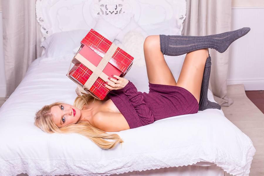 Model Nadia Chloe Rose / Uploaded 25th December 2016 @ 12:47 PM