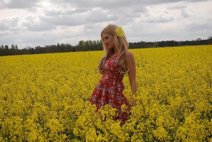Summer / Model Nadia Chloe Rose / Uploaded 25th July 2017 @ 09:25 PM