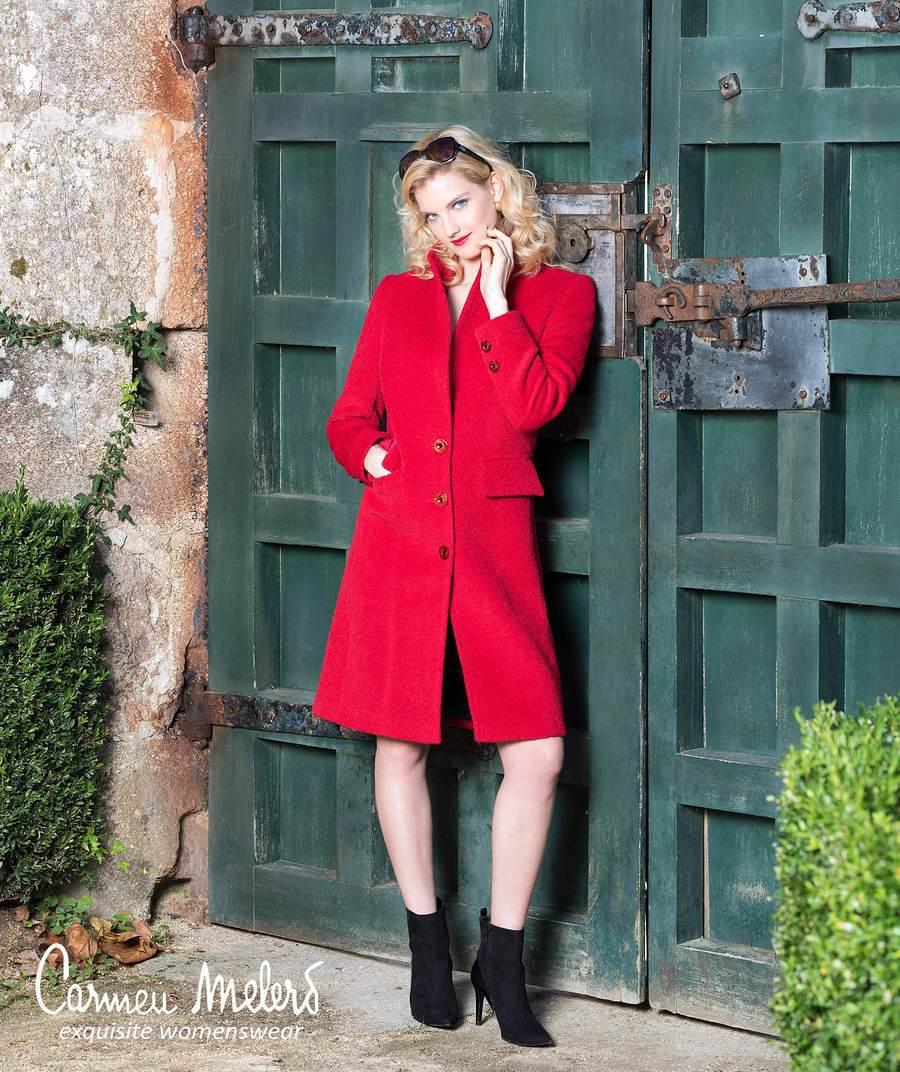 Modelling for the Catalogue of the Spanish designer / Model Nadia Chloe Rose / Uploaded 3rd January 2018 @ 12:44 PM