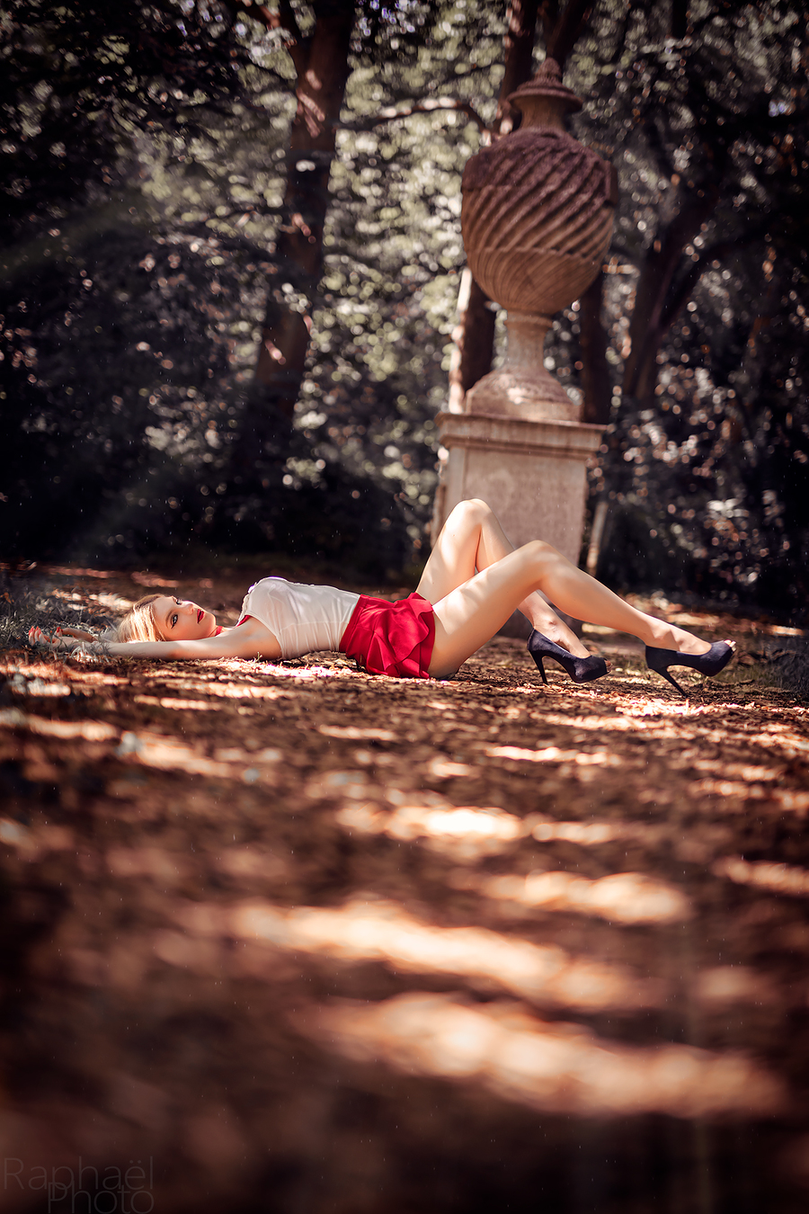 Imagination creates the future ♥ / Photography by RaphaelPhoto, Model Nadia Chloe Rose / Uploaded 5th July 2018 @ 09:51 AM