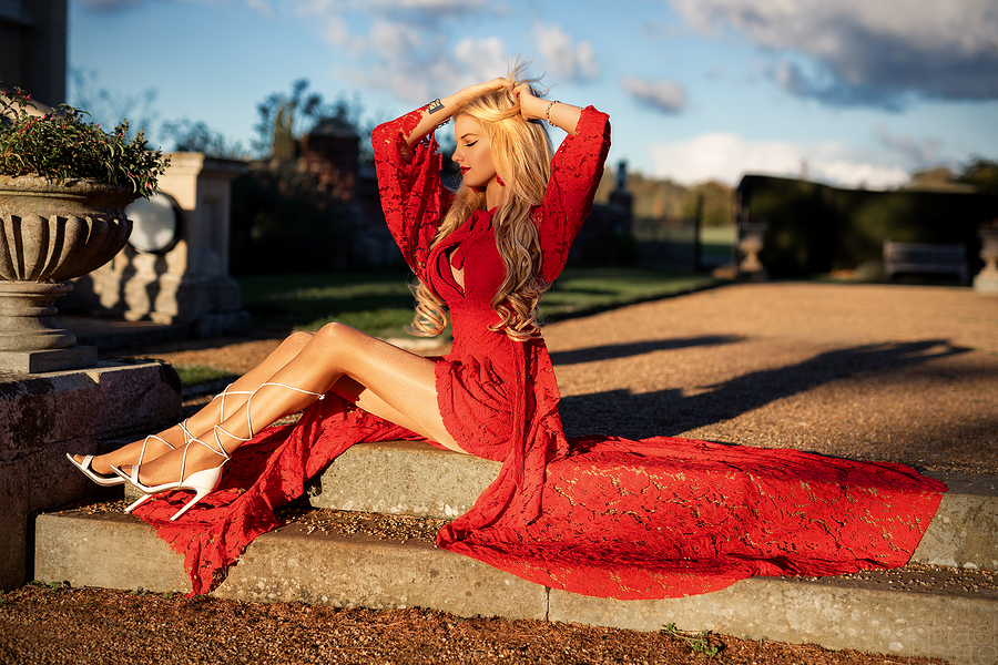 Photography by RaphaelPhoto, Model Nadia Chloe Rose / Uploaded 4th November 2018 @ 09:09 PM
