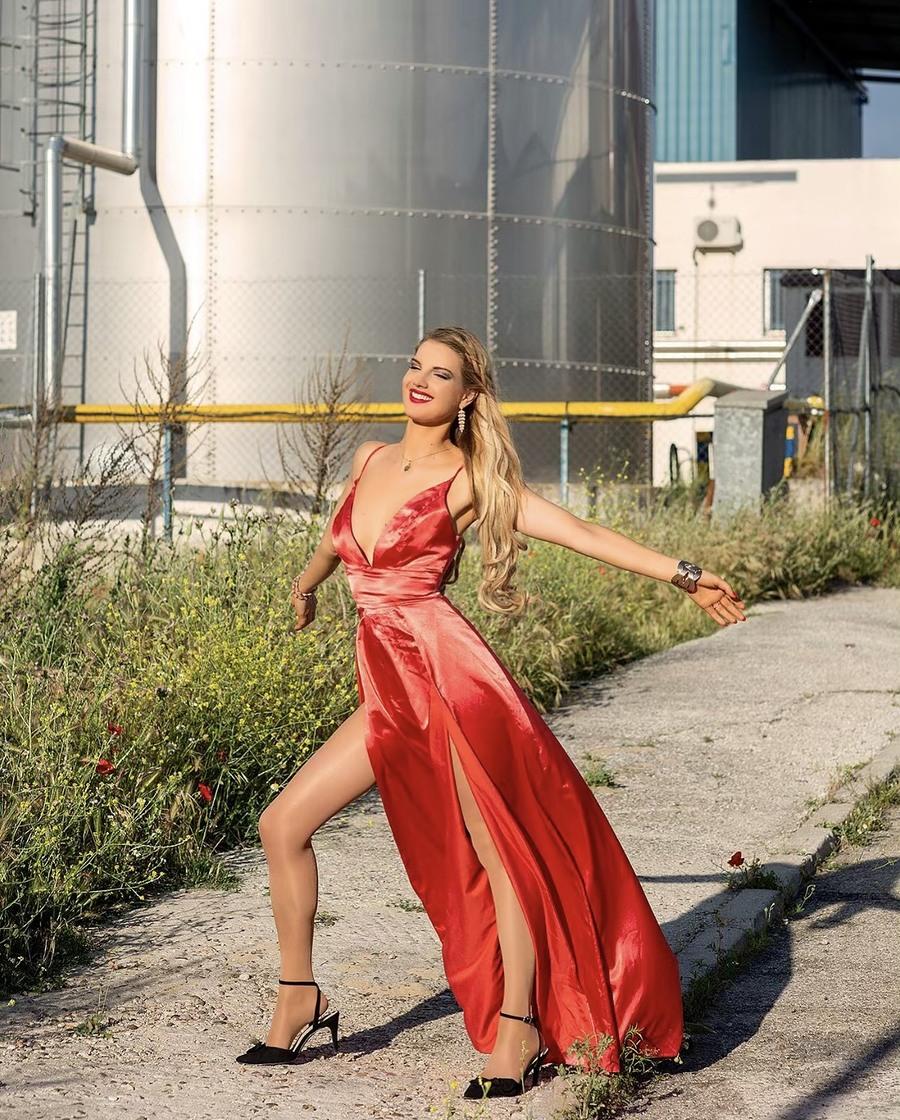 Life is beautiful♥️ Enjoying the Spanish sunshine in Madrid :) / Model Nadia Chloe Rose / Uploaded 27th May 2019 @ 01:57 PM
