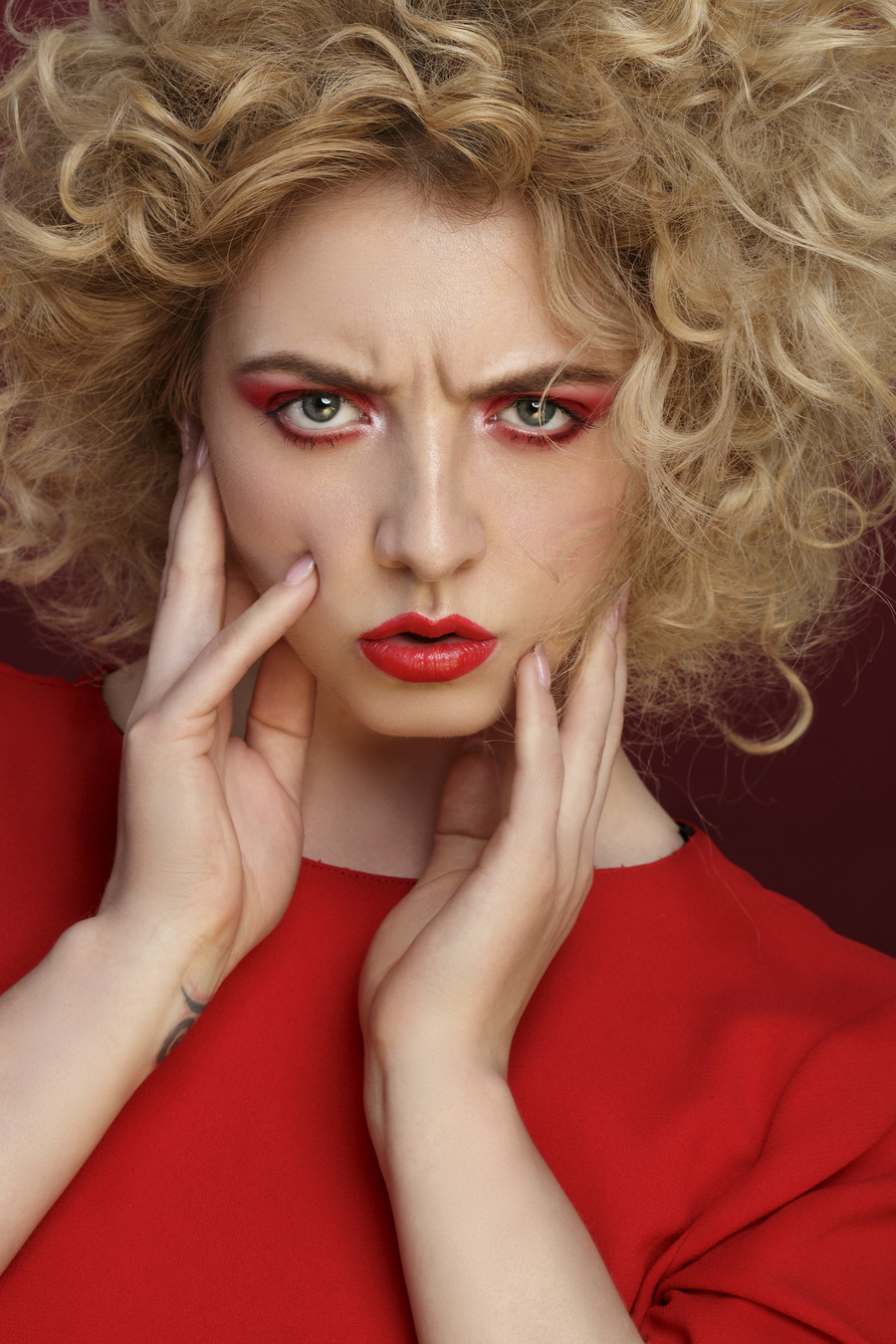 The Fashion Frown / Photography by Iulia David, Model Nicole Rayner, Makeup by Natalie Wood, Hair styling by Natalie Wood / Uploaded 2nd April 2019 @ 10:53 AM
