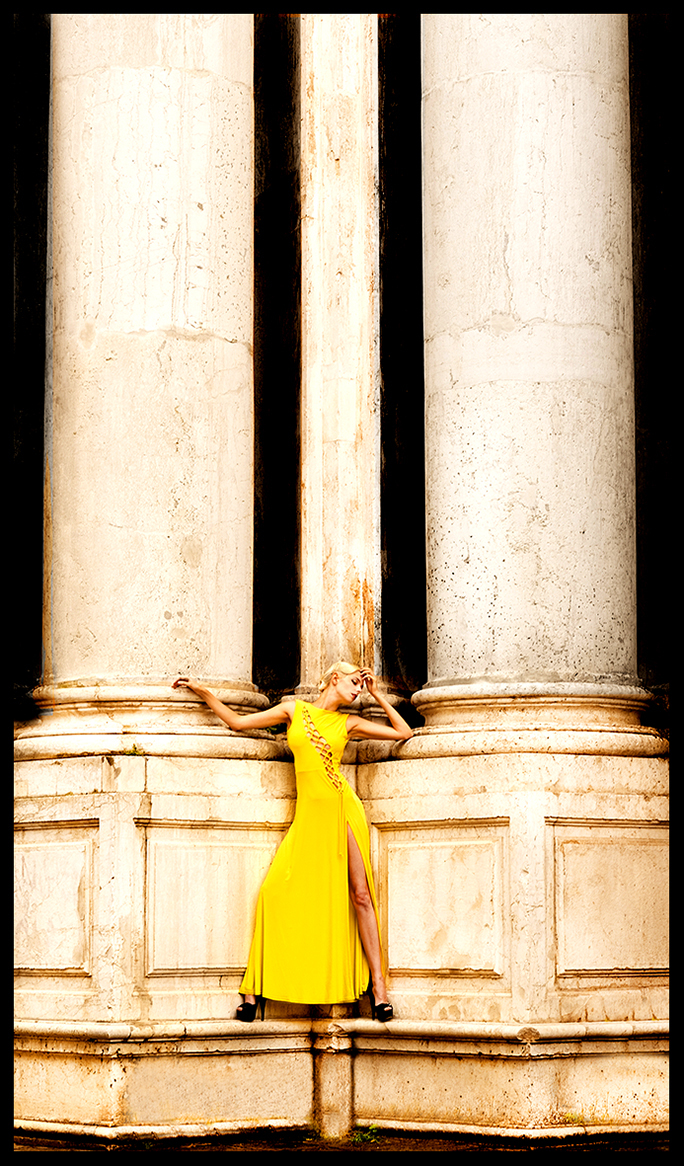 Sunny Venice / Photography by Faye Yerbury, Model Riona Neve, Post processing by Faye Yerbury, Stylist Faye Yerbury, Taken at Faye Yerbury, Hair styling by Faye Yerbury, Designer Faye Yerbury / Uploaded 27th December 2018 @ 09:42 AM