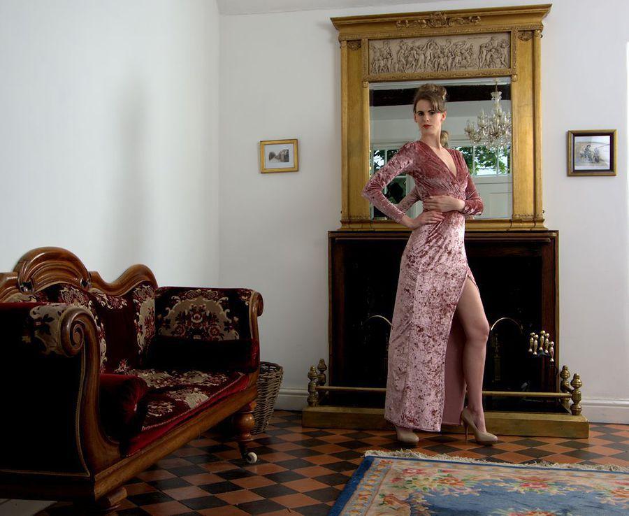 Elegance / Photography by Russb, Model xxmrmthxx - Melissa Tongue, Taken at Sandon Studio / Uploaded 2nd September 2017 @ 09:28 AM