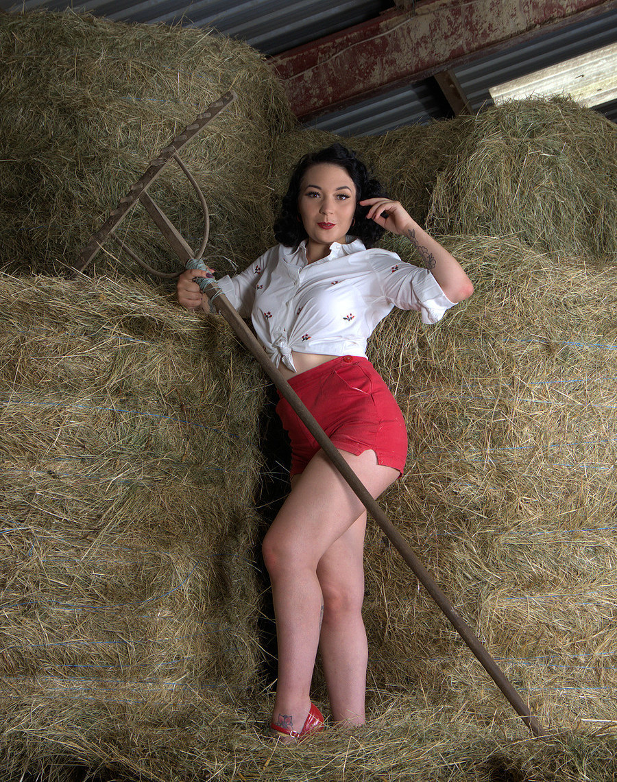 Working the hayloft / Photography by Russb, Model Miss Elsie May / Uploaded 30th July 2018 @ 10:08 AM