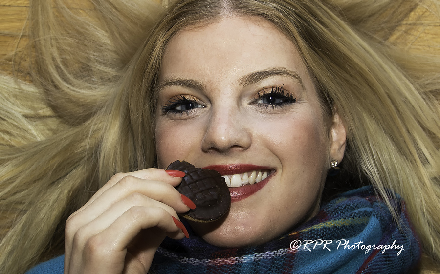 Jaffa Cake 1 / Photography by RichZep, Model Nadia Chloe Rose, Post processing by RichZep / Uploaded 14th February 2017 @ 03:08 PM