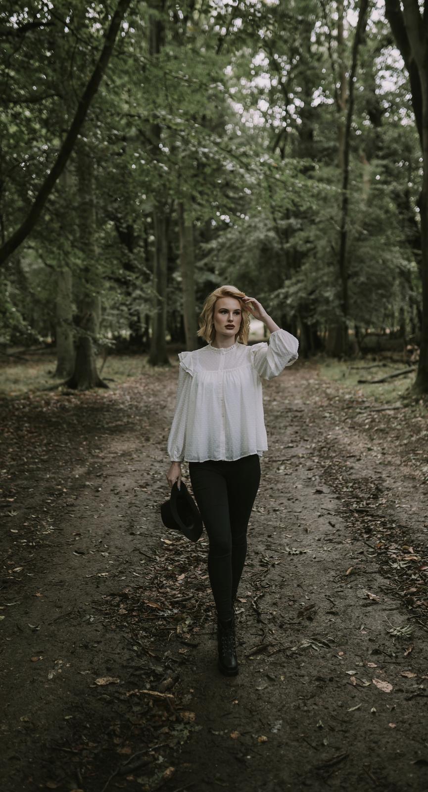 step into autumn / Model Summer Ellen / Uploaded 2nd October 2020 @ 02:05 PM