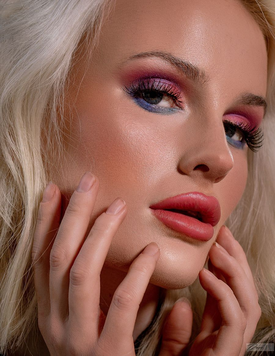 Colourful and Creative / Photography by idbPortraits by Dean Nhema, Model Summer Ellen / Uploaded 30th November 2020 @ 11:34 AM