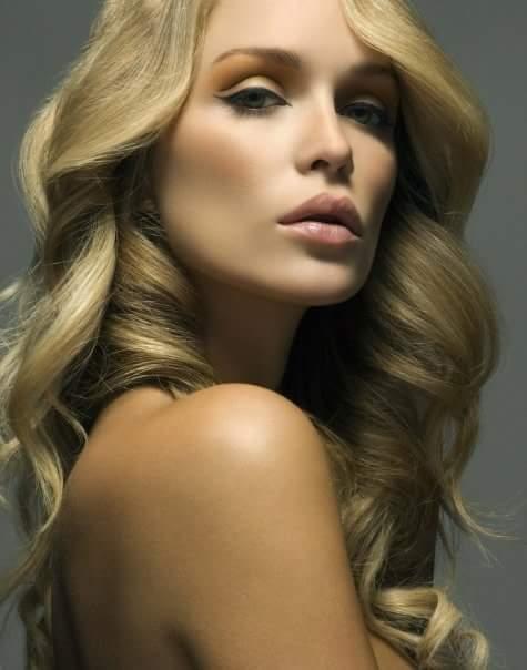 Model Cassandra Bell / Uploaded 6th September 2018 @ 03:33 PM