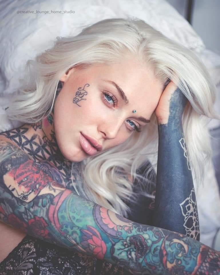 Model ladylaurenbrock / Uploaded 15th October 2019 @ 08:57 PM