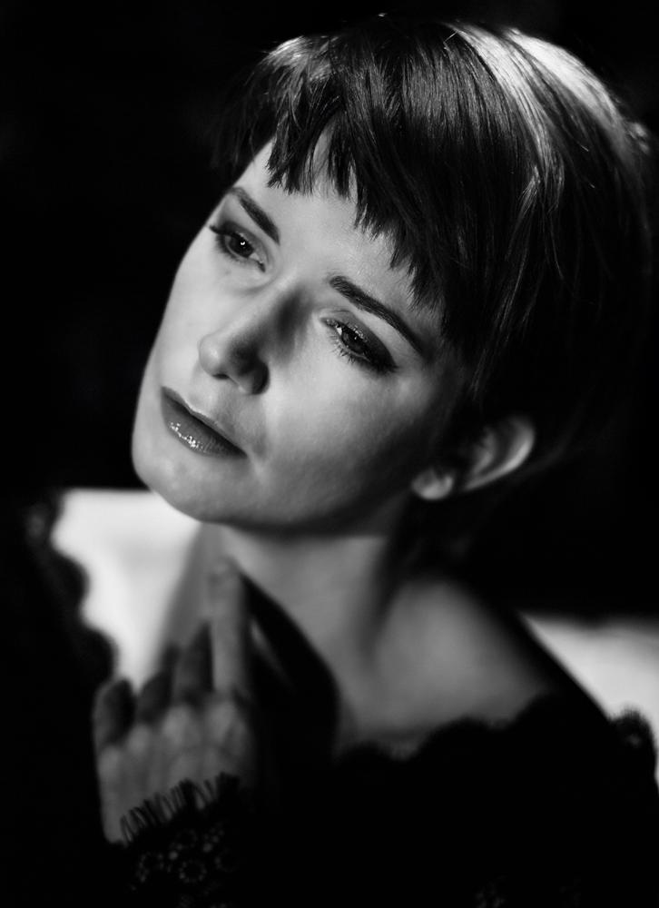 Star gazer. / Photography by Bill, Model Stephanie Dubois, Makeup by Stephanie Dubois / Uploaded 9th February 2016 @ 08:23 PM