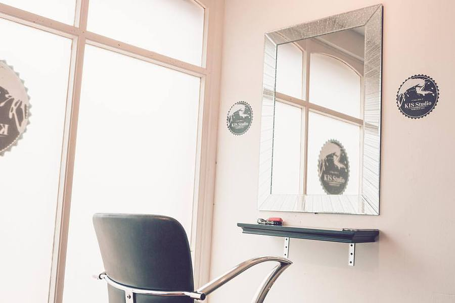KIS Studio make-up area / Photography by Fusco Media Ltd, Taken at KIS Studio / Uploaded 25th October 2016 @ 12:21 PM