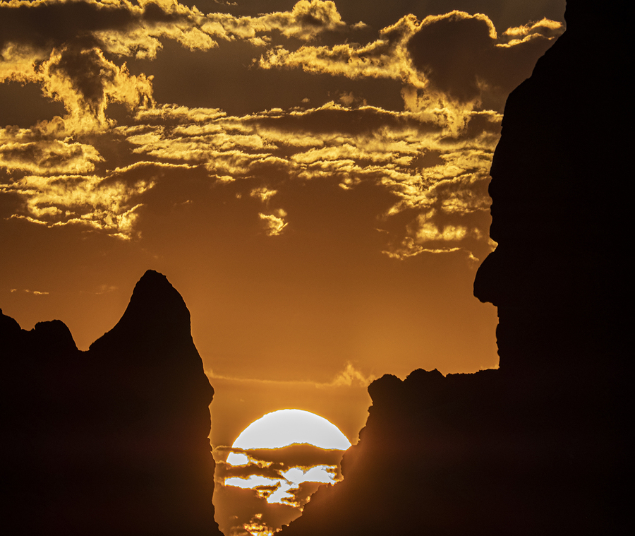 Sunrise on the Navaho Nation at Monument Valley / Photography by DrAC / Uploaded 2nd April 2021 @ 03:53 PM