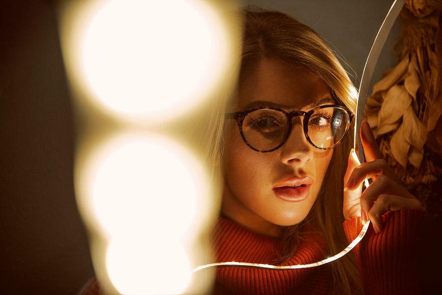 White light / Photography by Kirk Schwarz, Model Tillie Feather / Uploaded 5th December 2019 @ 01:54 PM