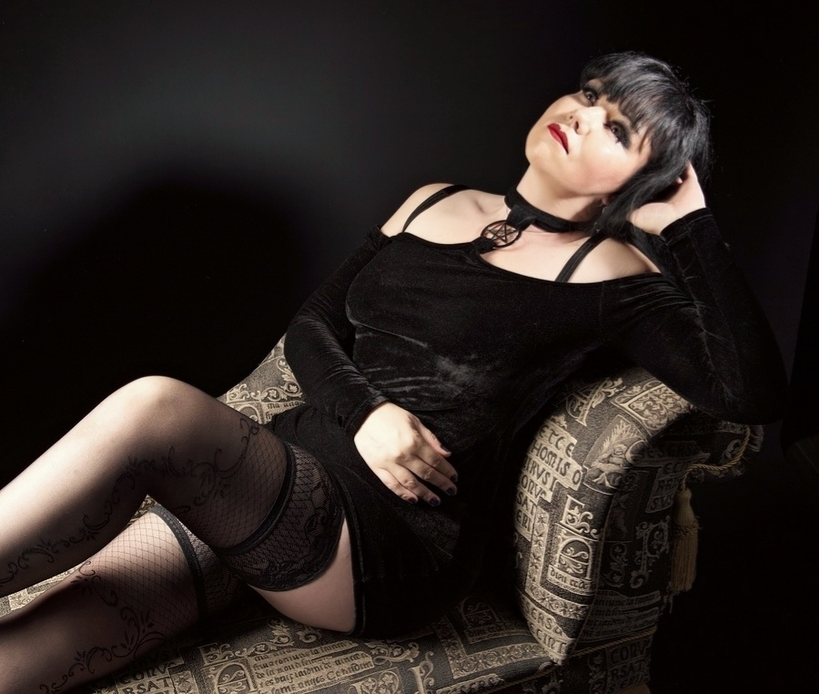 Photography by Pendragon333, Model Dark Raven, Makeup by Dark Raven / Uploaded 28th August 2021 @ 11:28 AM
